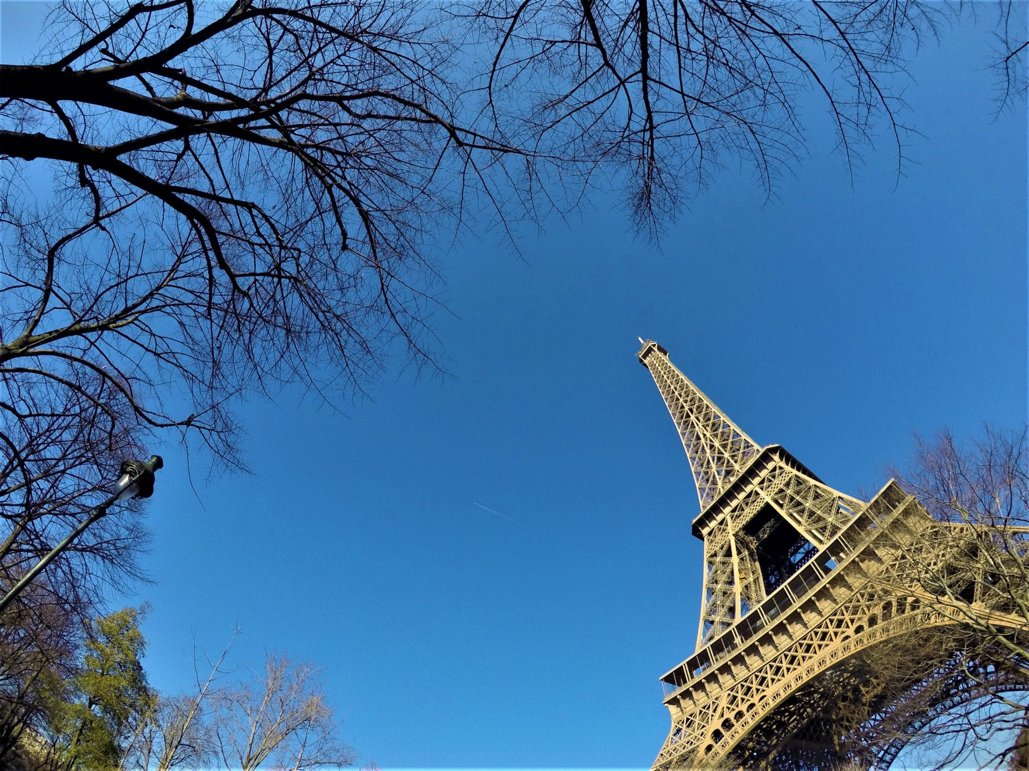 Diy the best places to visit in paris a broken backpack for Places to stay near eiffel tower