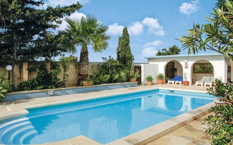 villa holidays malta
