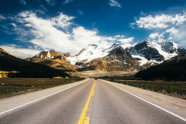 Icefield Parkway Canada | Scenic drives in Canada | Road-Trip in the Rockies