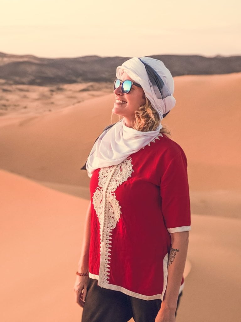 sahara desert girl