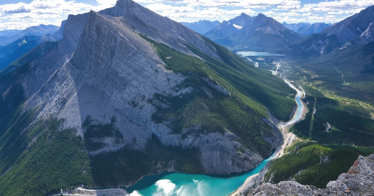 Easy hiking trails in Canmore